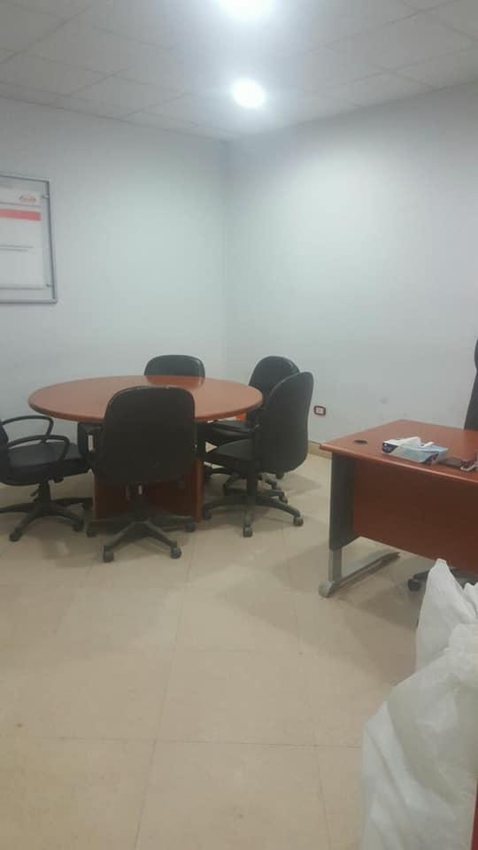 فرصه للشركات والمكاتب الكبرى مقر ادارى ٣٢٠م للايجار على شارع رئيسى