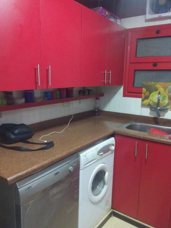 شقه للبيع ١٧٠م بالمطبخ هاى لوكس طابق تاسع اسانسير فى النزهة الجديده